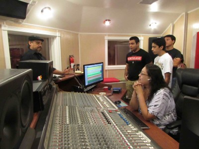 Students Rock N' roll their way to music industry