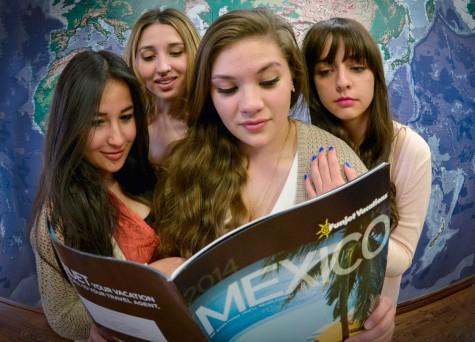 Estudiantes viajan a México a pesar olas de violencia