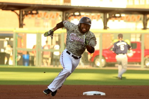 Chihuahuas split series with Aces