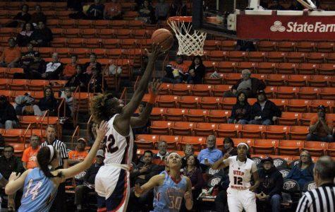 Women's basketball overcomes LA Tech