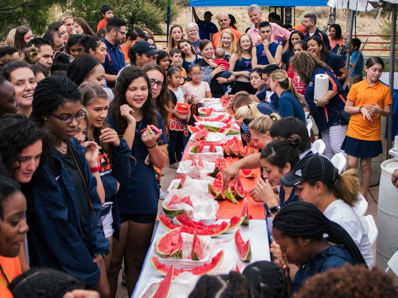 UTEP+students+took+part+in+a+watermelon+eating+contest.