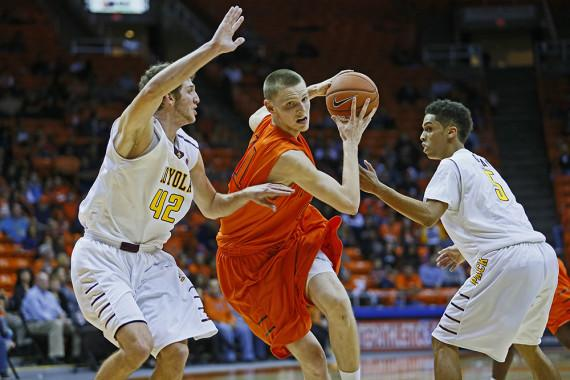 Miners+tip-off+new+season+with+a+win