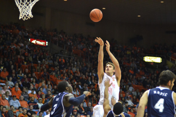 UTEP uses big second half to come back to defeat Rice 68-57