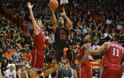 Bortley late three-pointer holds off Miners late rally