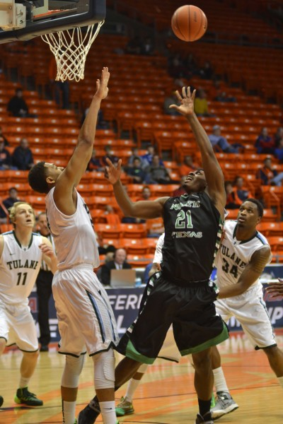 Jonathan Stark leads Tulane in win over North Texas