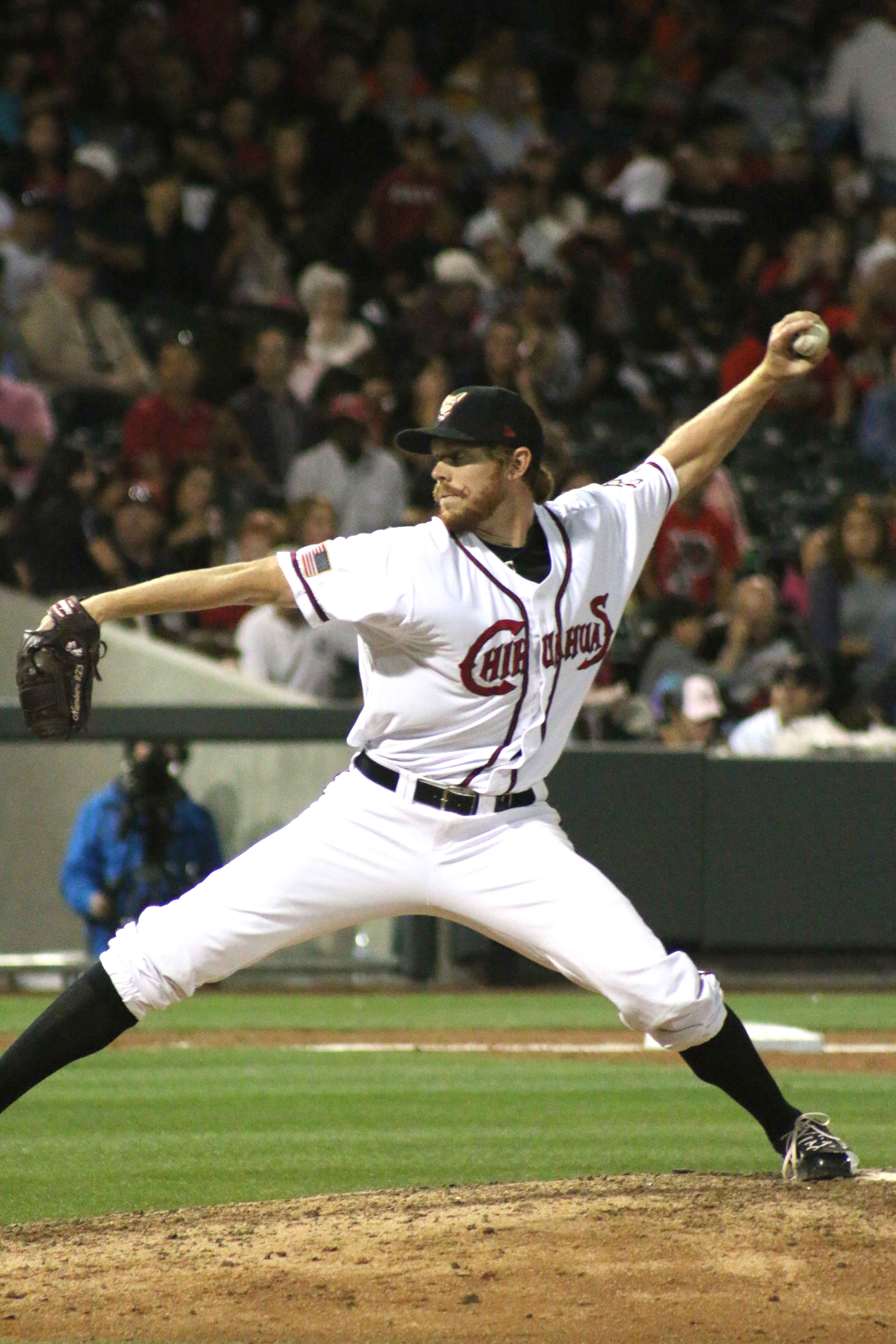 Chihuahuas pitcher Branch Kloess pitching in the seventh inning.