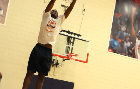 Mar'qywell Jackson shows off his vertical.