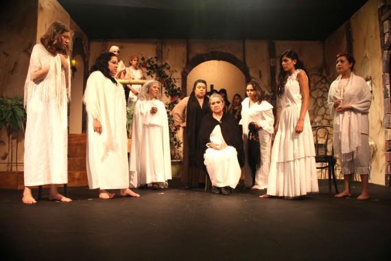 """""""La Casa de Bernarda Alba"""" se presenta en  El Paso Playhouse localizada en 2501 N. Mesa, debido al mes de patrimonio hispano."""