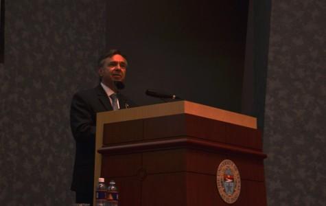 Mexico Ambassador to the U.S., Eduardo Medina Mora, speaks at UGLC Wednesday afternoon.