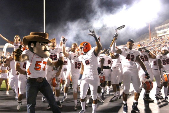 Miners celebrate after defeating New Mexico State 42-24