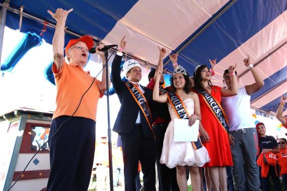 President+Diana+Natalicio+speaks+at+the+homecoming+pep+rally.+