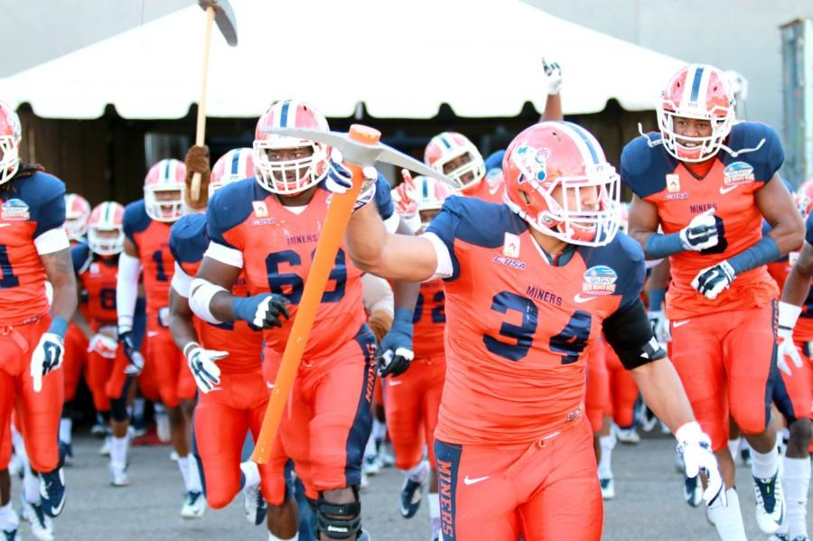 UTEP+Miners+come+on+to+the+field+for+the+Gildan+New+Mexico+Bowl.