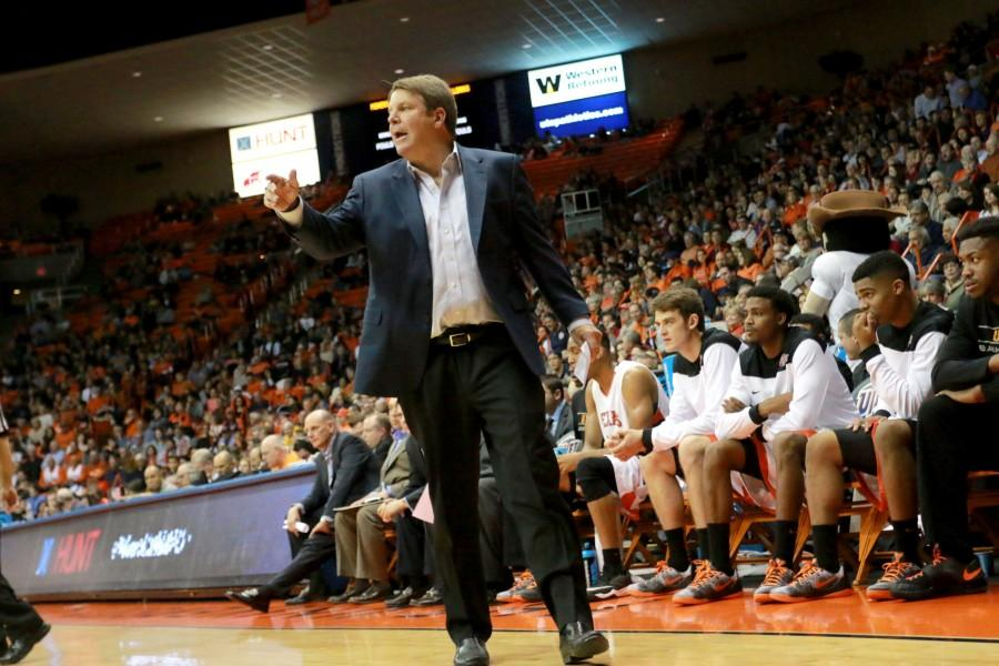 Head+coach+Tim+Floyd+announced+that+UTEP+will+not+play+against+Kentucky+in+2016%2C+last+Wednesday+Jan.+14+during+practice.+