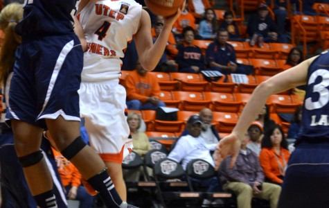 Miners hold off Owls, 2-0 in conference