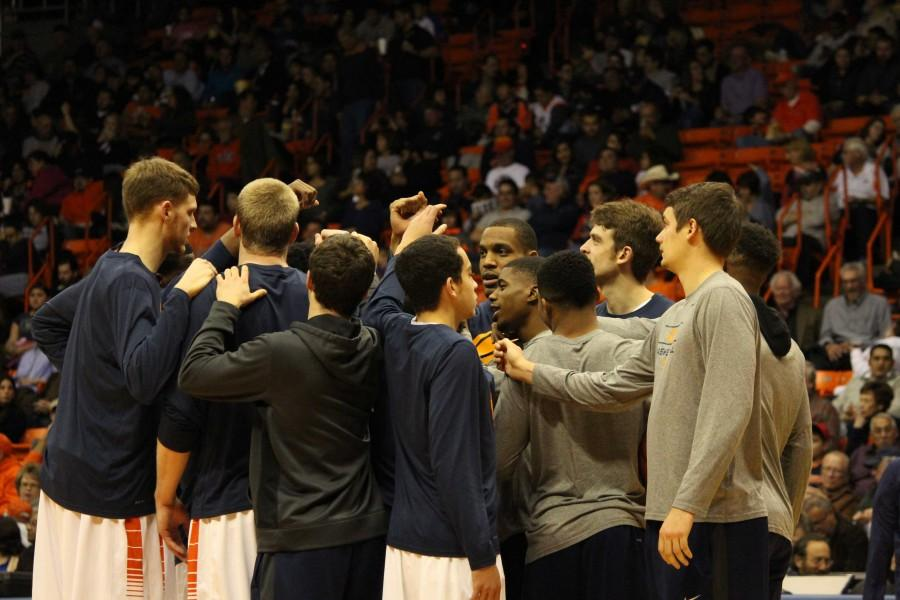 The UTEP mens basketball team huddles before the start of the second half.