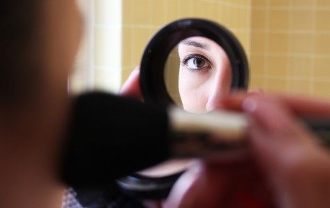 Contouring has become a popular makeup trend among UTEP students.