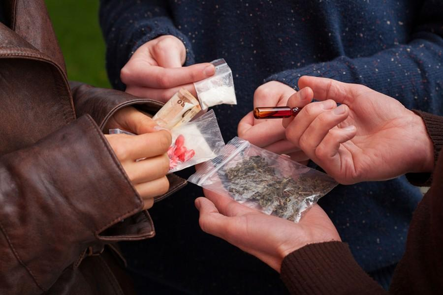Marijuana+penalties+to+be+evaluated%2C+possible+decriminilization+for+users