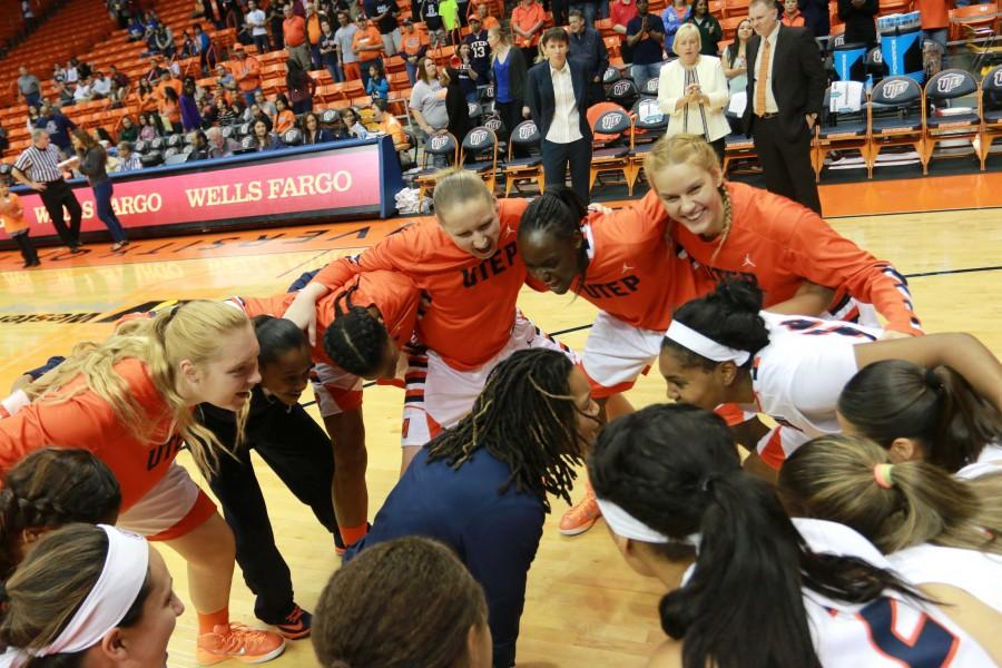UTEP Women's basketball team gets pumped up after introducing the starting lineup.