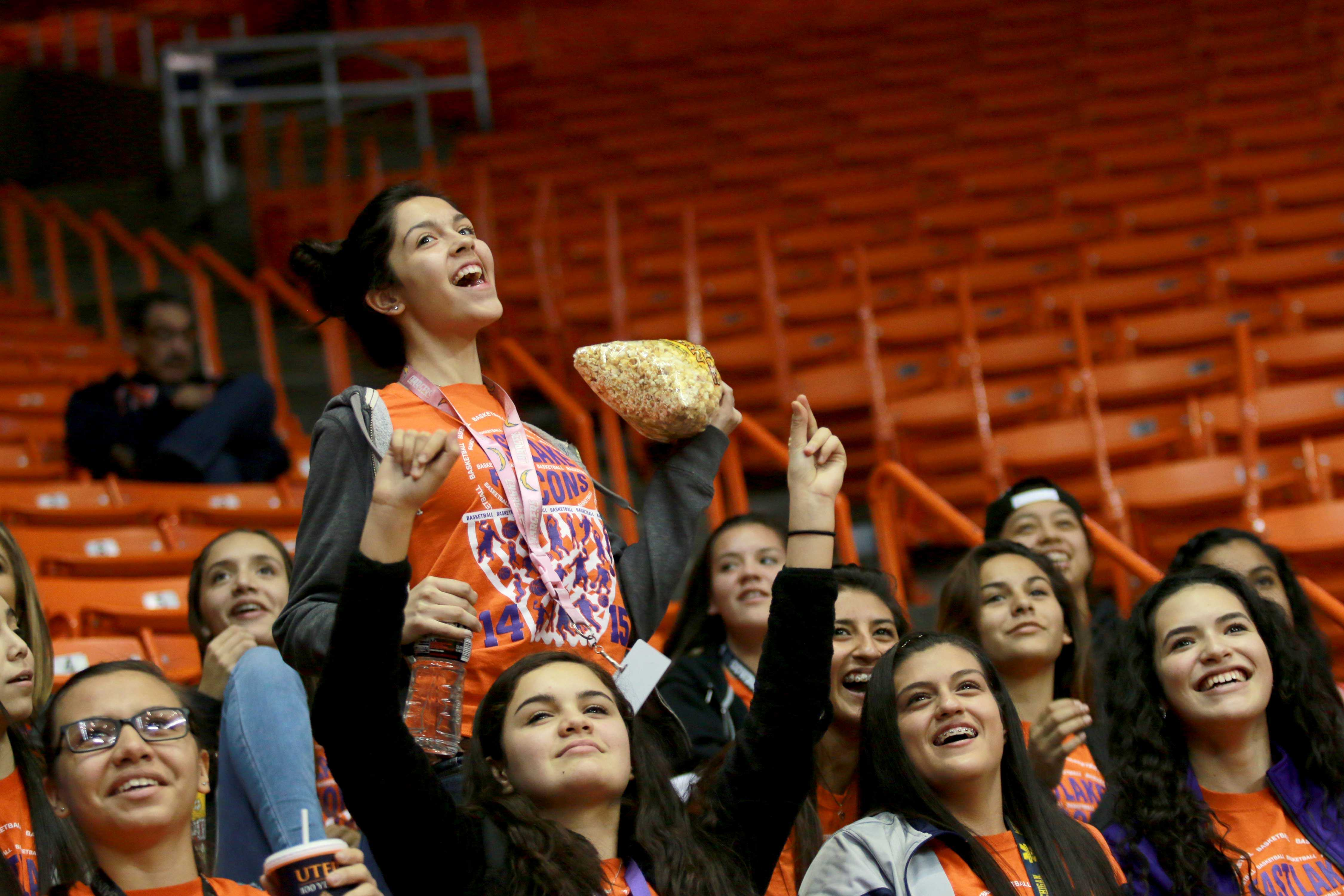 UTEP+fans+support+the+Women%27s+basketball+team.+