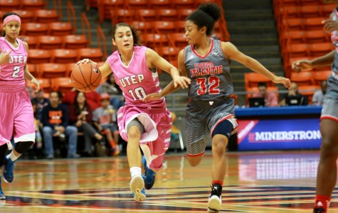 Senior point guard Stacy Telles finishes the game with 8 assists in 33 mins.