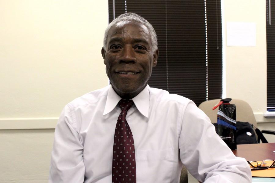 Dr.+Terri+Williams+explains+his+role+in+the+UTEP+Collegiate+Recovery+Program.