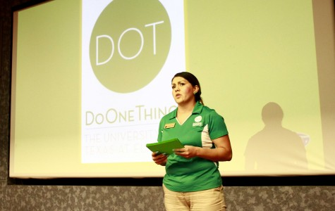 A speaker from the UTEP Do One Thing initiative presents at the green DOT training held in the Undergraduate Learning Center.