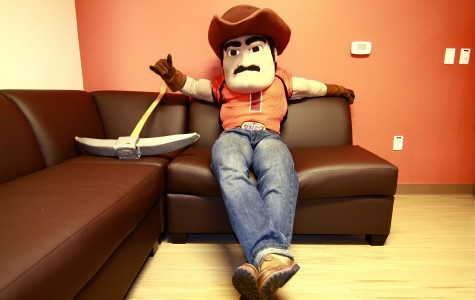 El Paso can't get enough of Paydirt Pete