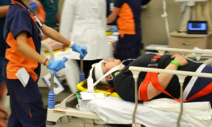UTEP+nursing+student+tends+to+a+simulated+victim.