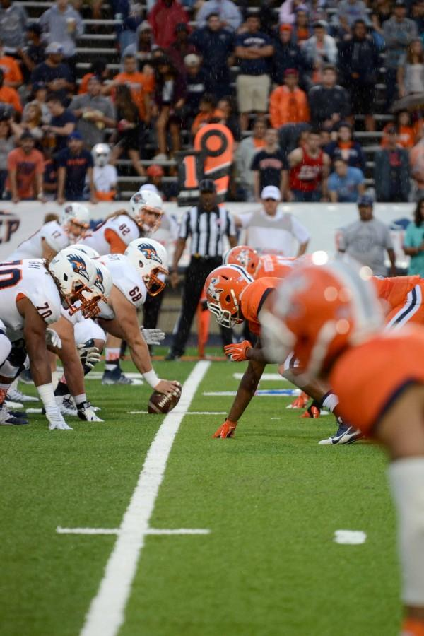 UTSA on offense versus the UTEP Miners.