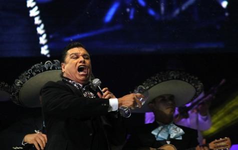 Juan Gabriel se presento en El Paso el seis de diciembre como parte de su gira musical