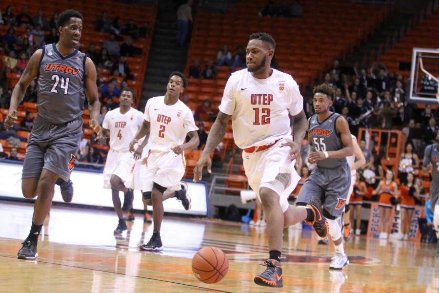 UTEP rounds up Vaqueros in last game of 2015
