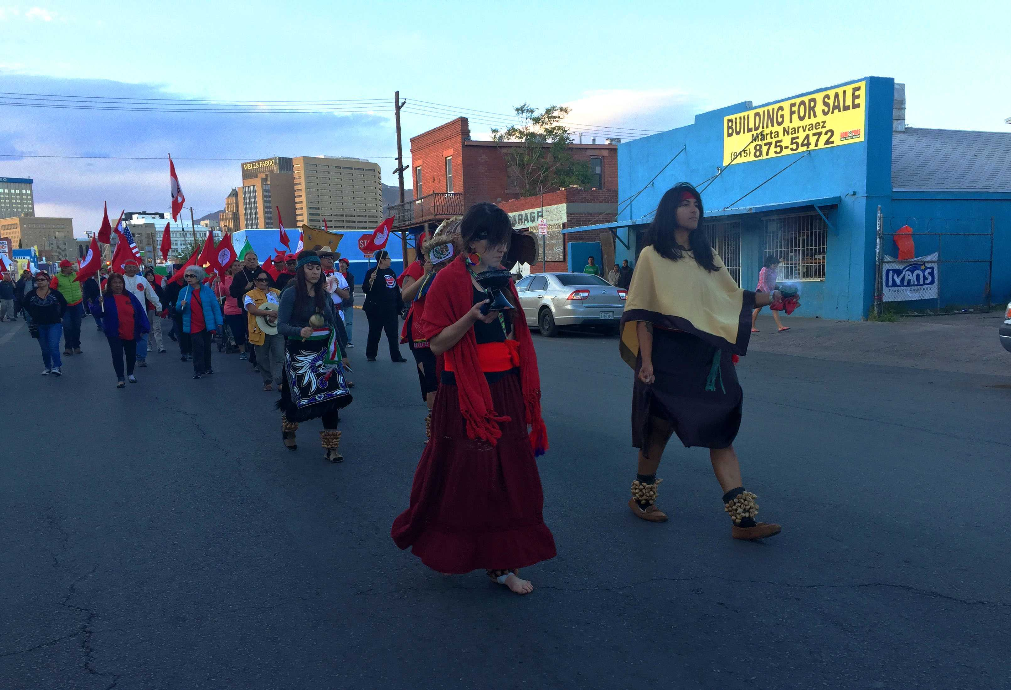 Over+a+hundred+people+participate+in+C%C3%A9sar+Ch%C3%A1vez+Day+march+through+Downtown+El+Paso.