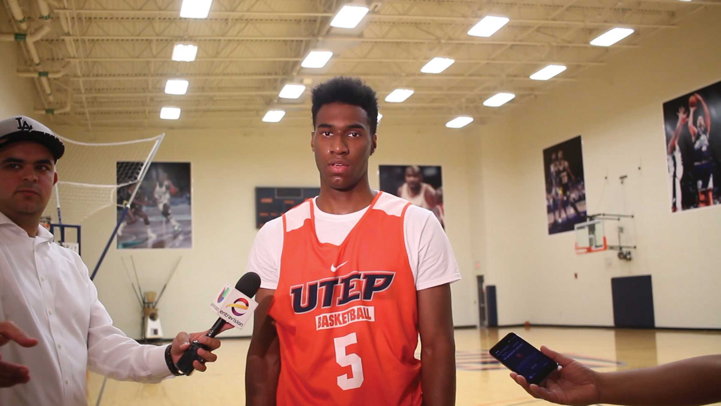 Freshman guard Chris Barnes will be a new addition to the men's basketball team roster.