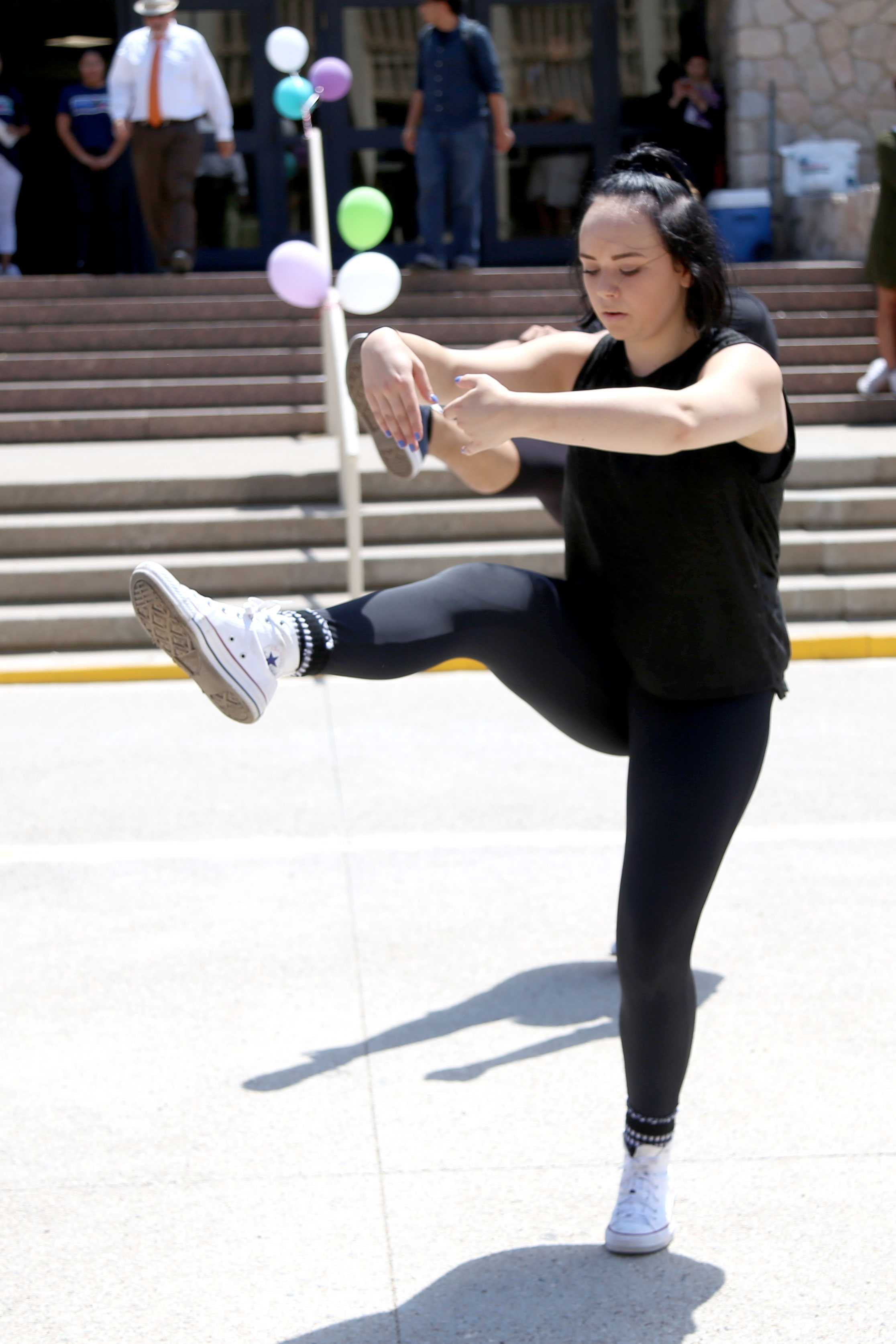 Sophomore+dance+major+Krysta+Quiambao+performs+with+her+classmates.+