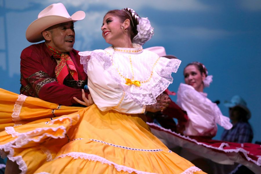 Mexican+history+and+culture+brought+to+life+through+dance+and+music