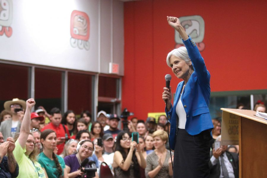 Jill+Stein%2C+Green+Party+presidential+candidate+campaigned+at+Caf%C3%A9+Mayapan+on+Oct.+14+in+front+of+a+crowd+of+more+than+200.+