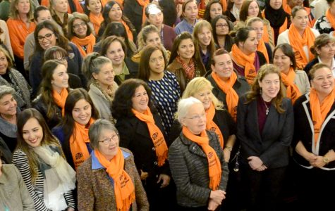 Photo shoot commemorates 100 years of women's inclusion at UTEP