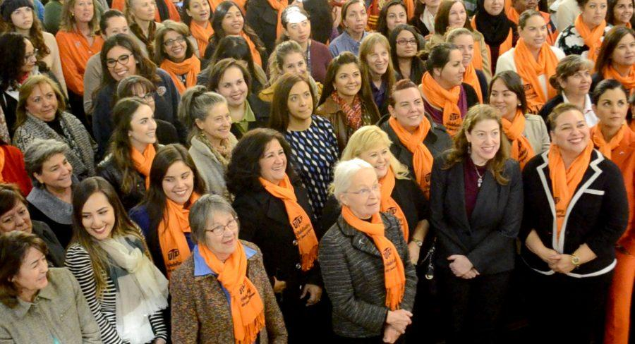 Photo+shoot+commemorates+100+years+of+women%27s+inclusion+at+UTEP