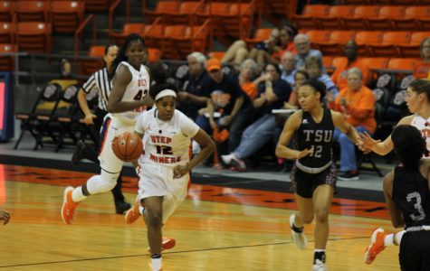 Women's basketball struggles in second game against Texas Southern