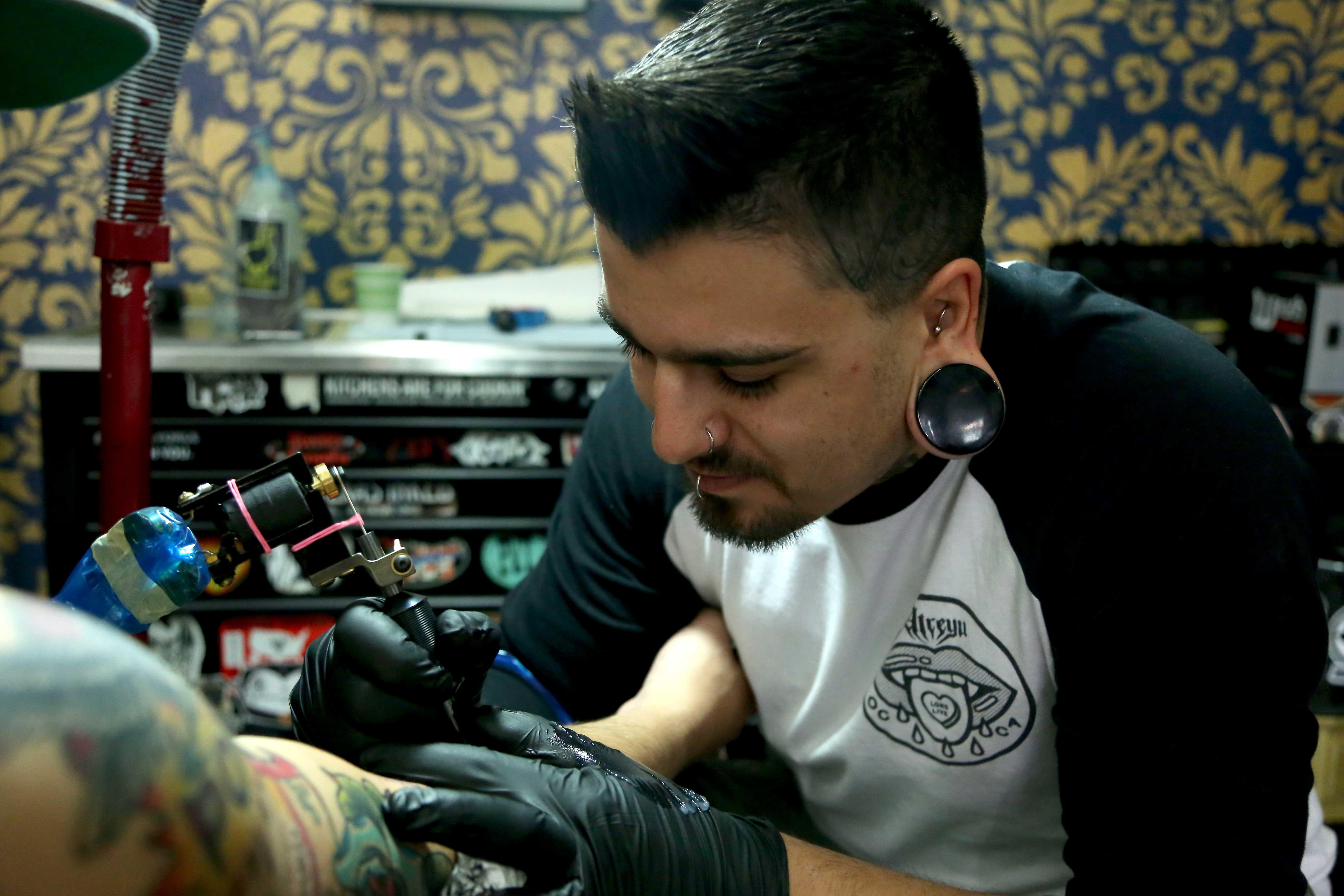 Golden+Goose+Tattoo+is+located+at+203+S+El+Paso+St%2C+El+Paso%2C+TX+79901.+