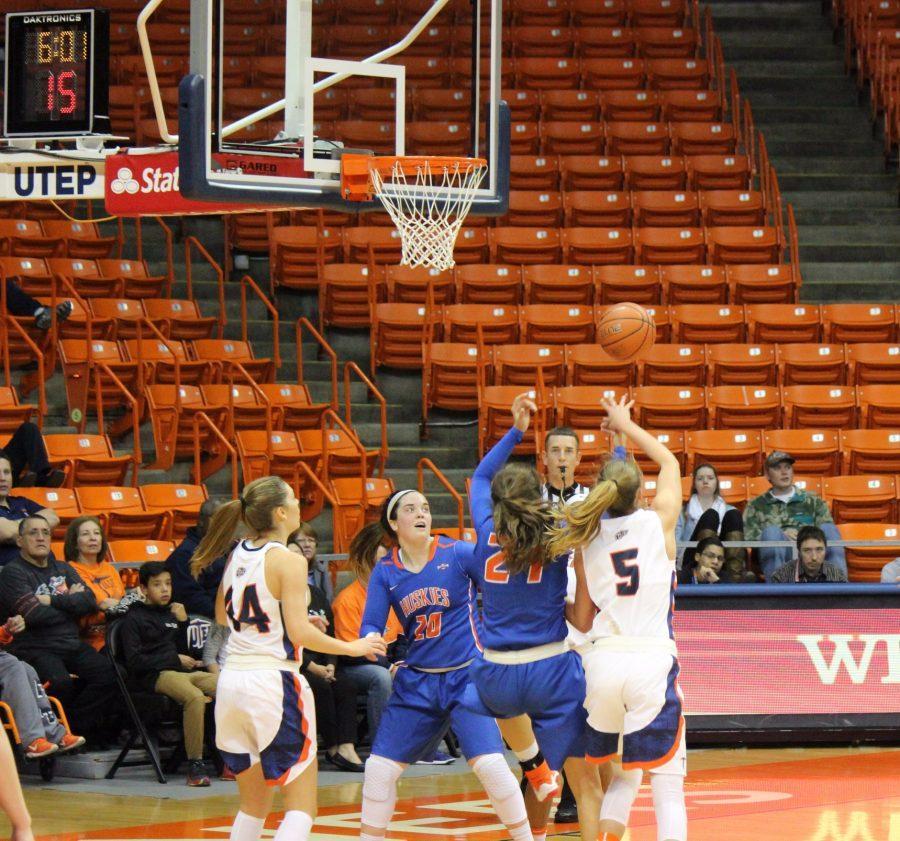 womensbasketball_02