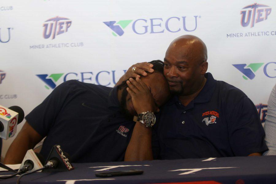Aaron Jones leans on his father, Alvin Jones Sr., during his emotional announcement.