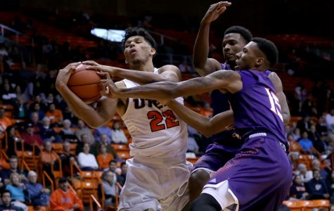 Men's basketball drops third loss in a row to Northwestern State