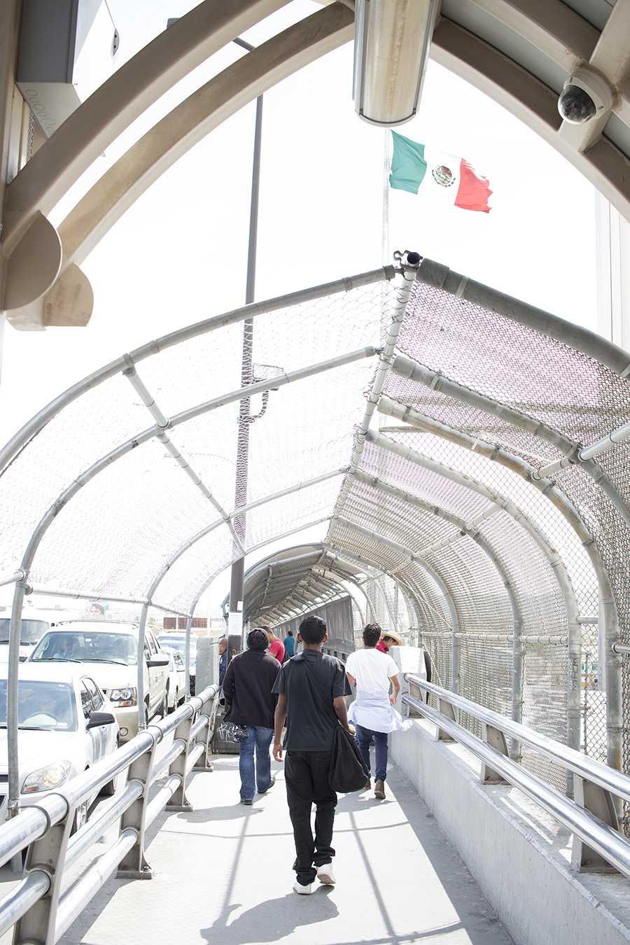 International bridge Paso del Norte's pedestrian bridge.