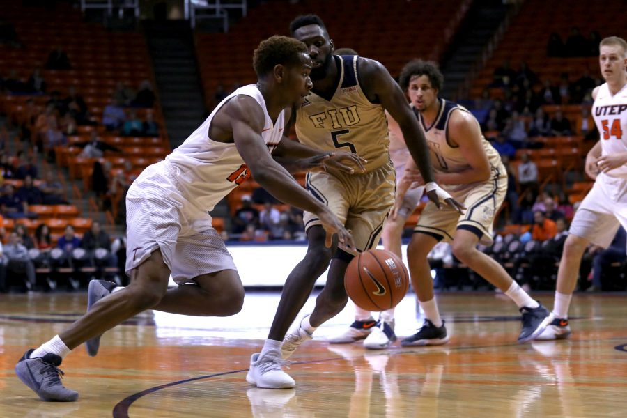 Men's basketball heating up in time for Blazers visit