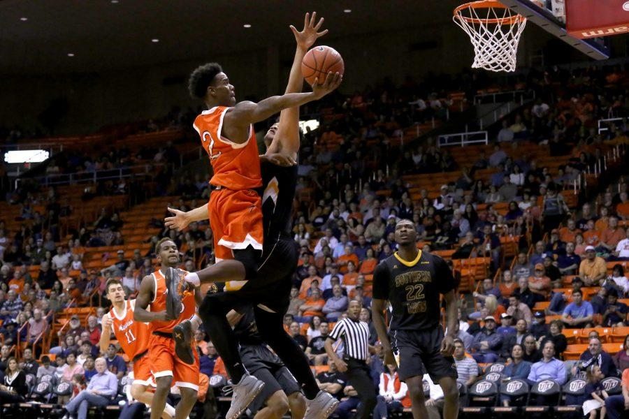 Men's basketball hits the road for important road swing