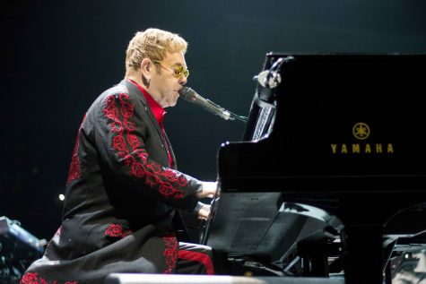 Elton John mesmerizes capacity crowd with non-stop hits