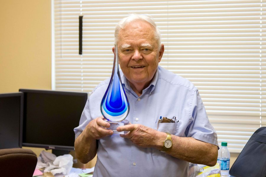 Thomas+Davis%2C+a+civil+engineering+professor+at+UTEP%2C+received+the+Salt+of+the+Earth+Award+from+the+Multi-State+Salinity+Coalition.+