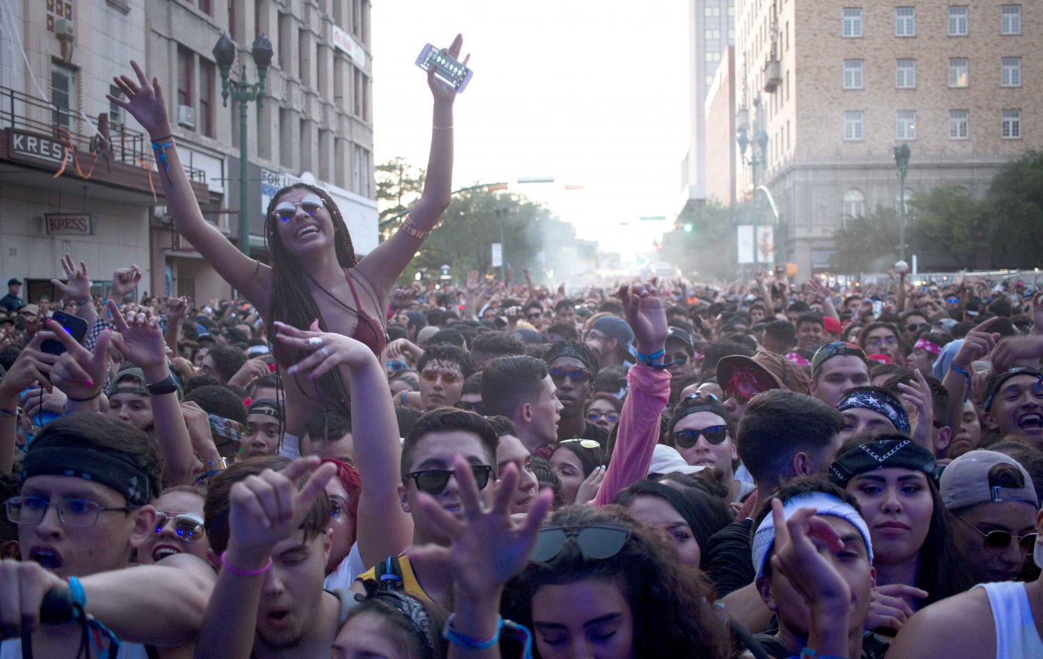 The audience at NDMF 2017 during Baauer's performance.
