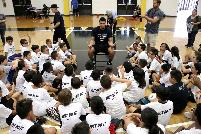 Spurs' Danny Green brings camp to El Paso